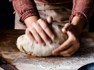 Hausgemachtes Brot und das Columbus Pale Ale 1492